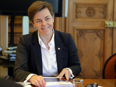 "Kellie Leitch: ""Detain, question, and return – it's that simple."""